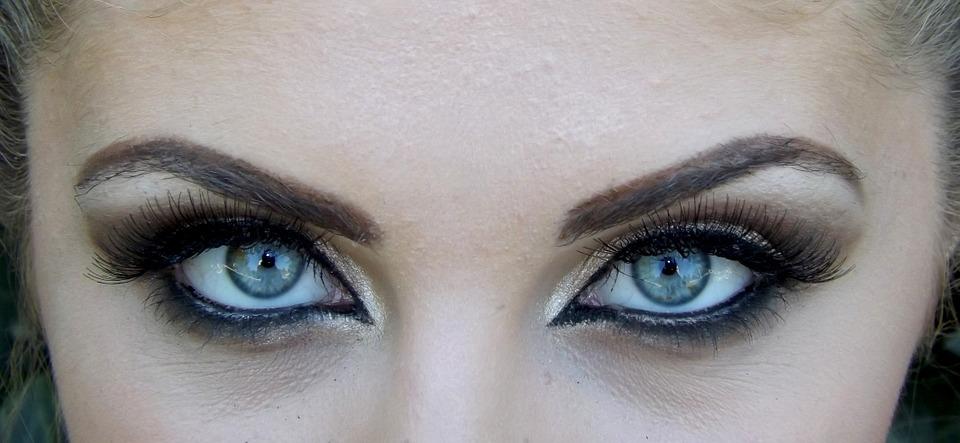 Make up - Schön geschminkte Frau